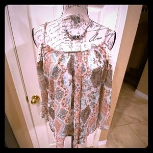 NWT cold shoulder sheer top w/lace detailing S